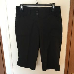 NIKE Golf Dri Fit Size 6 (31x15) Black Capri Pants